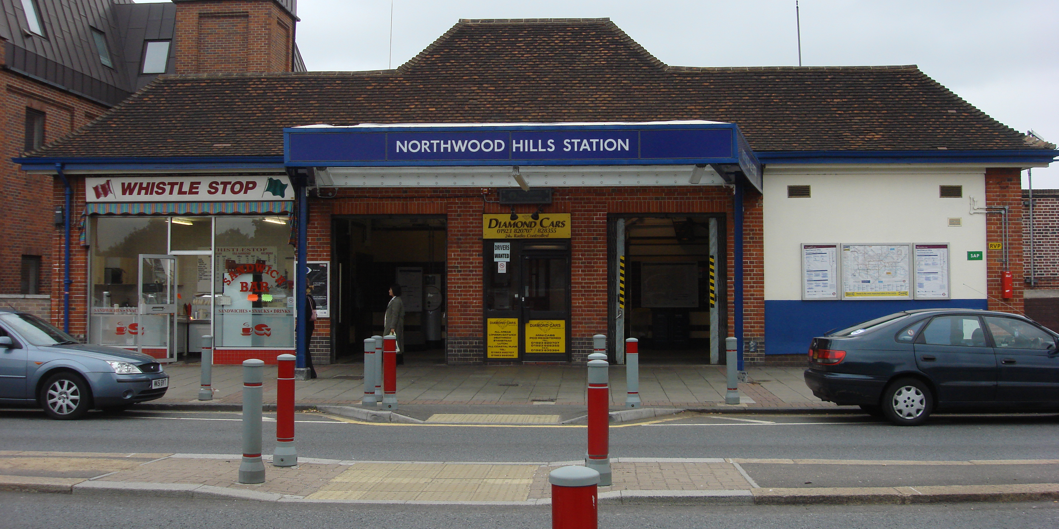 Northwood Hill minicabs, Northwood Hill taxis, Northwood Hill cabs