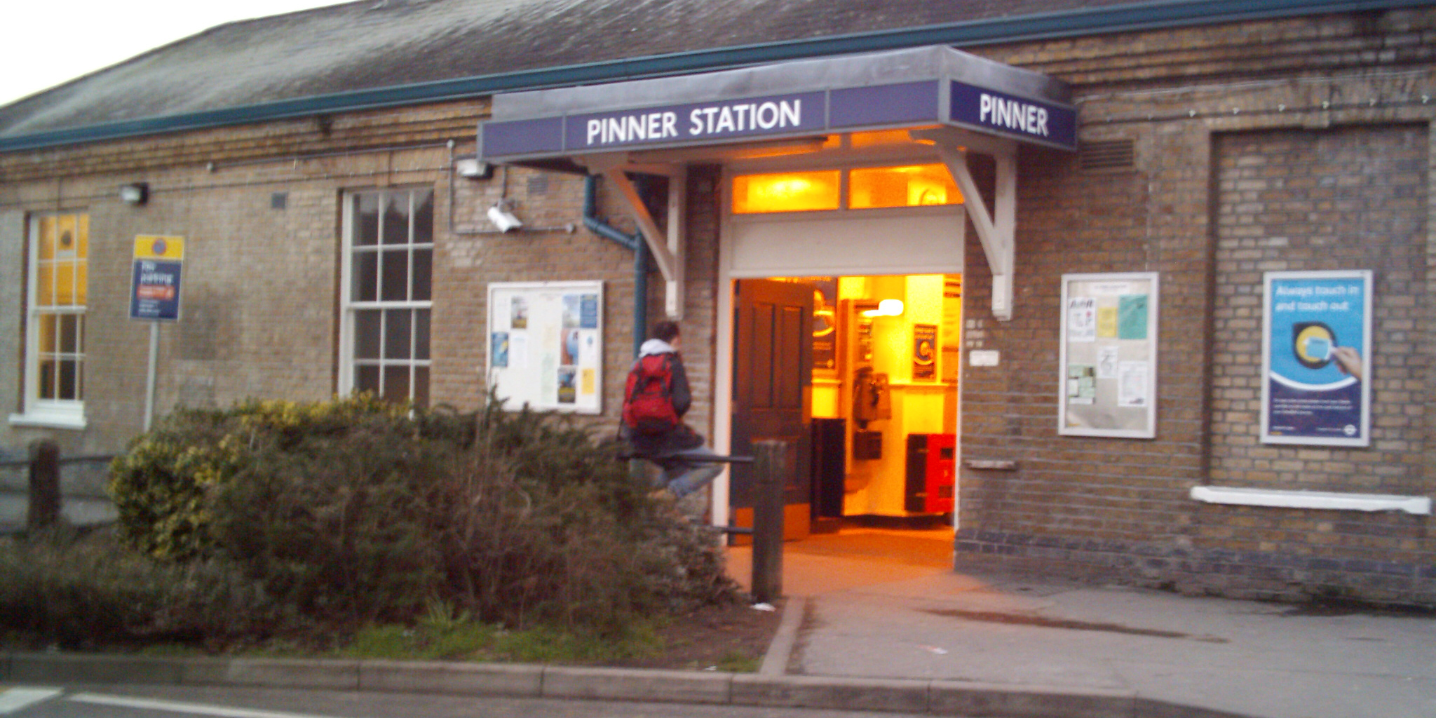 Pinner minicabs, Pinner taxis, Pinner cabs